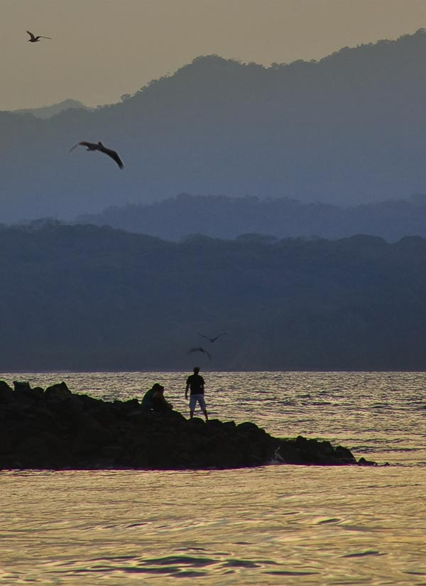 Dusk_in_Puntarenas_by_otas32