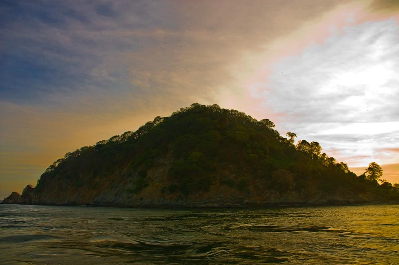 Gulf_of_Nicoya_Islands_13_by_otas32
