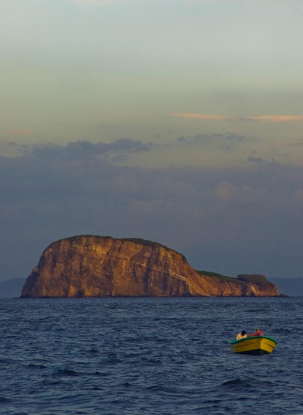Gulf_of_Nicoya_Islands_15_by_otas32